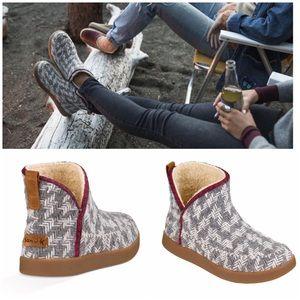 Sanuk Nice Bootah Boots